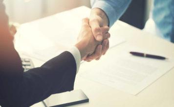 Leasing czy kredyt – jak kupić nowe auto na firmę