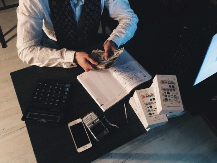 Księgowość on-line czy biuro rachunkowe